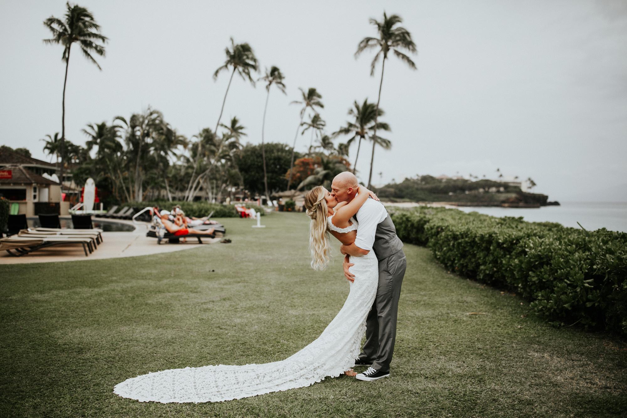 destination-wedding-photographer-hawaii-maui-elopement-43.jpg