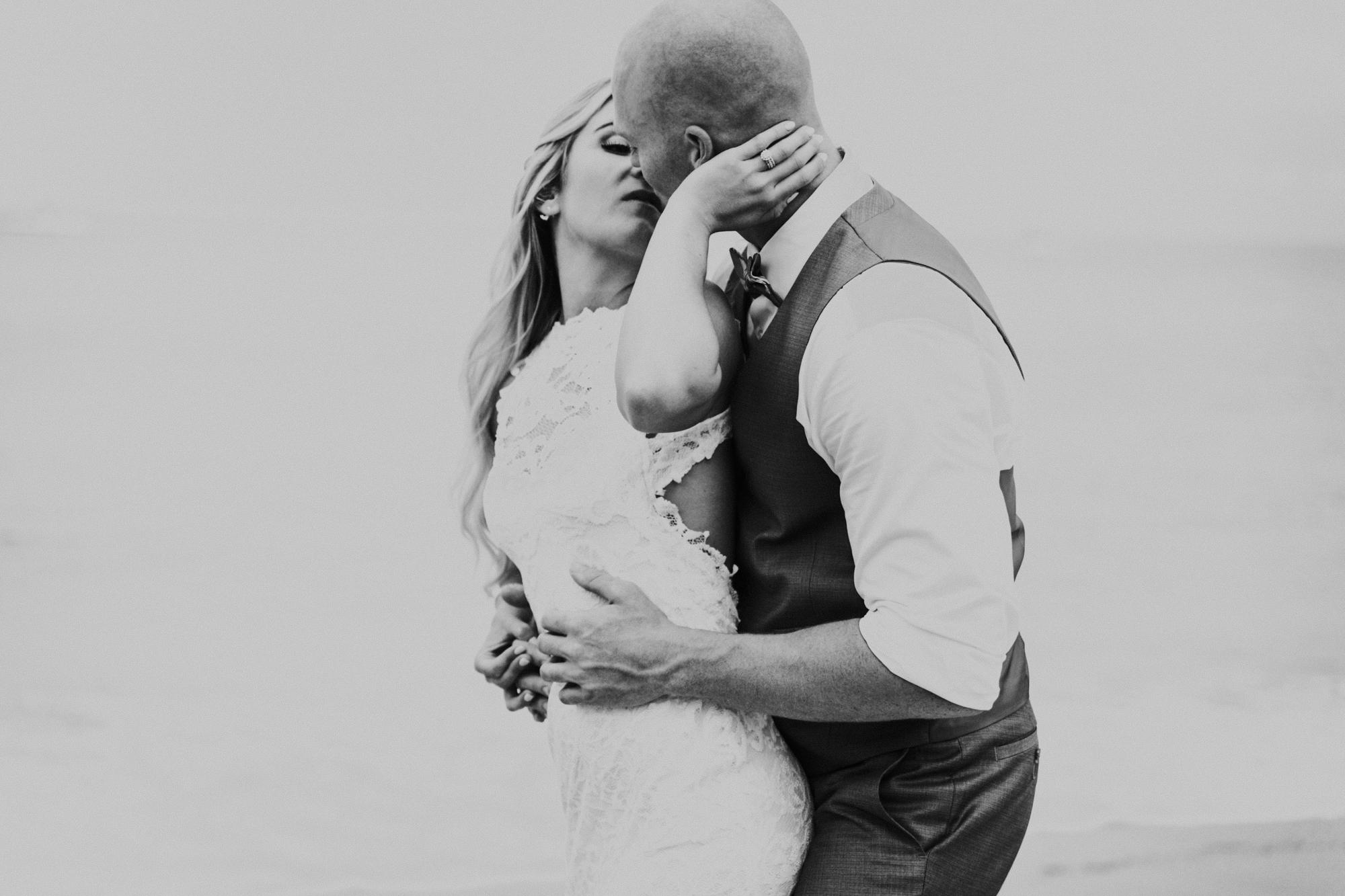 destination-wedding-photographer-hawaii-maui-elopement-47.jpg