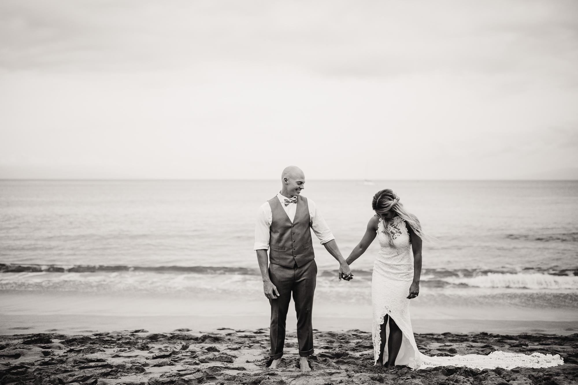 destination-wedding-photographer-hawaii-maui-elopement-51.jpg
