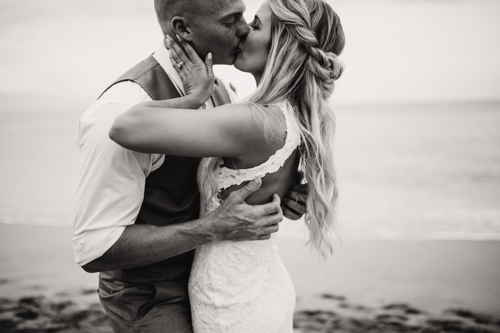 destination-wedding-photographer-hawaii-maui-elopement-53.jpg