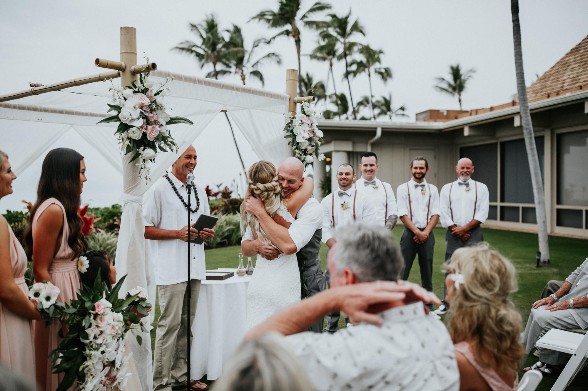 destination-wedding-photographer-hawaii-maui-elopement-74.jpg