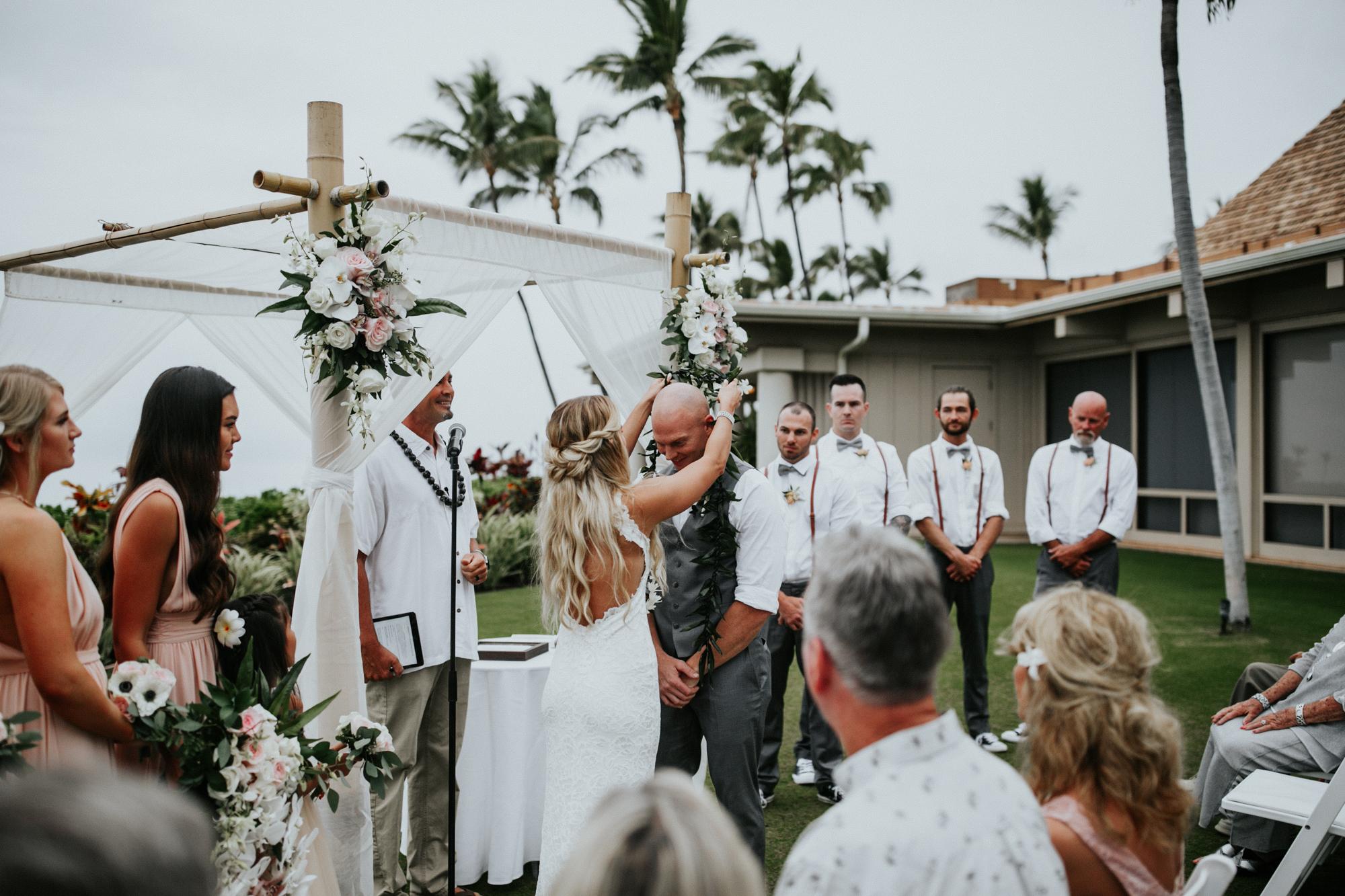 destination-wedding-photographer-hawaii-maui-elopement-73.jpg