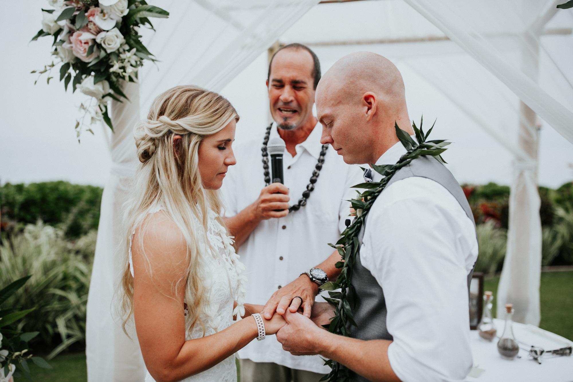 destination-wedding-photographer-hawaii-maui-elopement-77.jpg