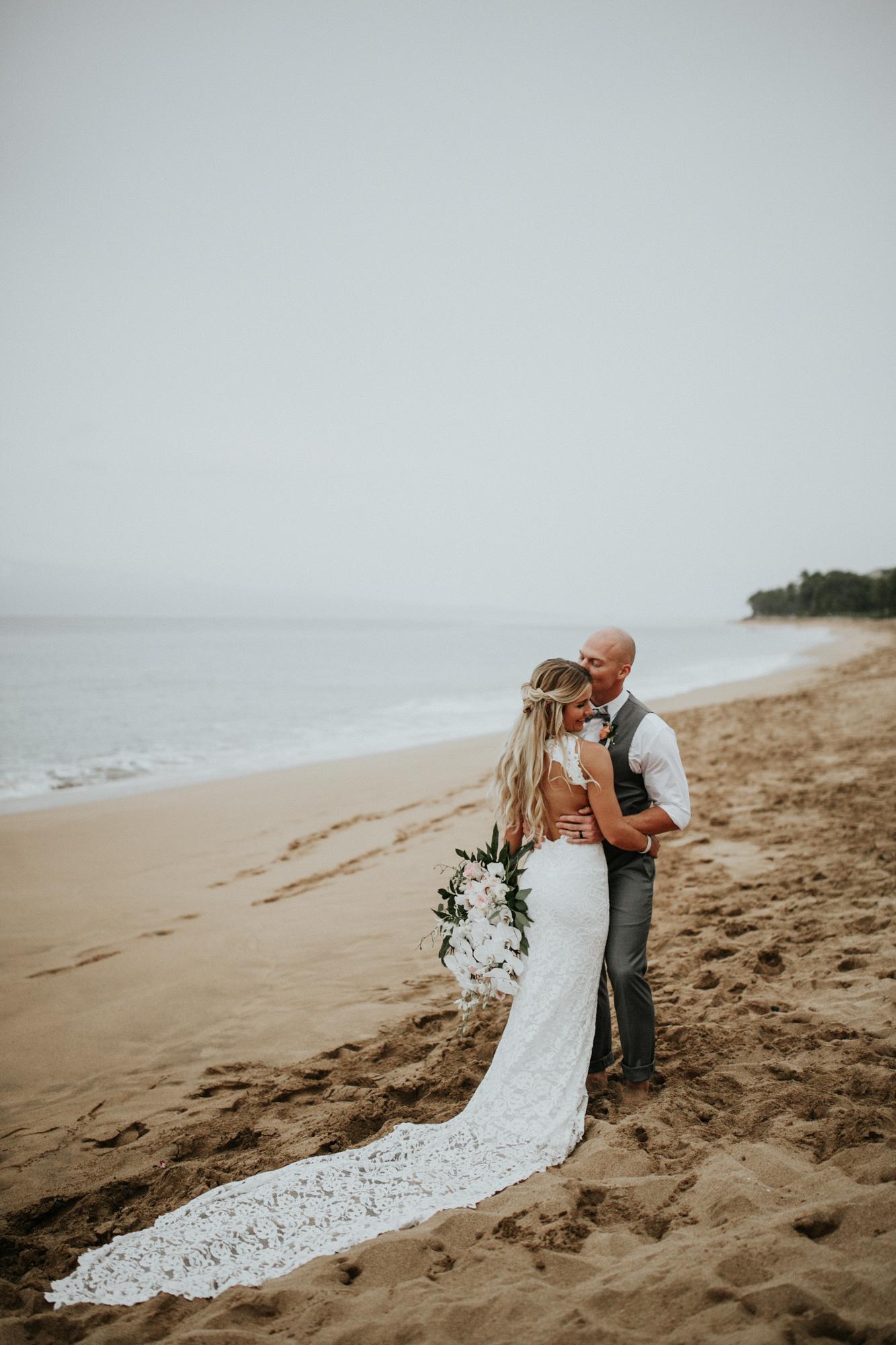 destination-wedding-photographer-hawaii-maui-elopement-87.jpg