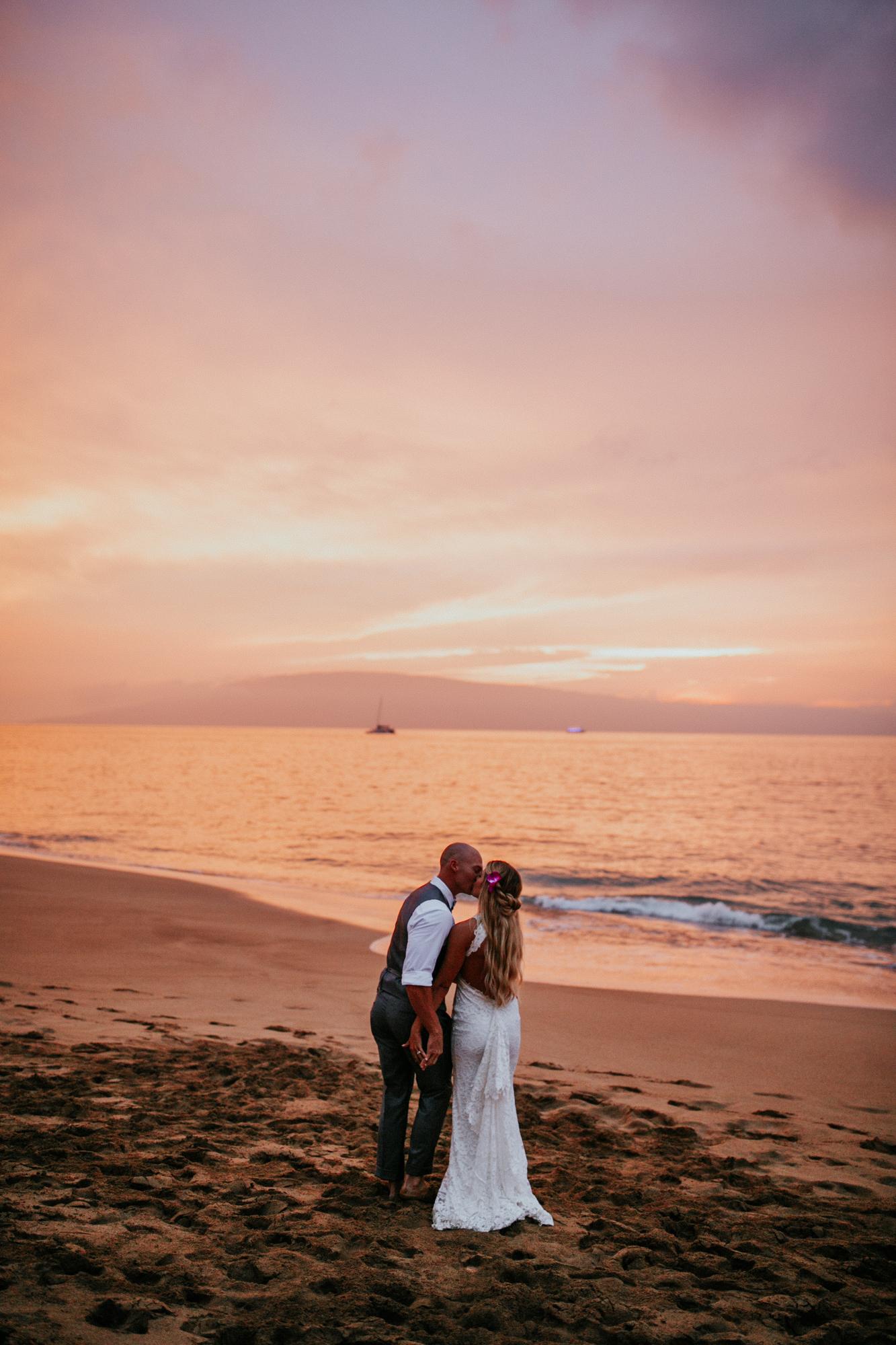 destination-wedding-photographer-hawaii-maui-elopement-106.jpg