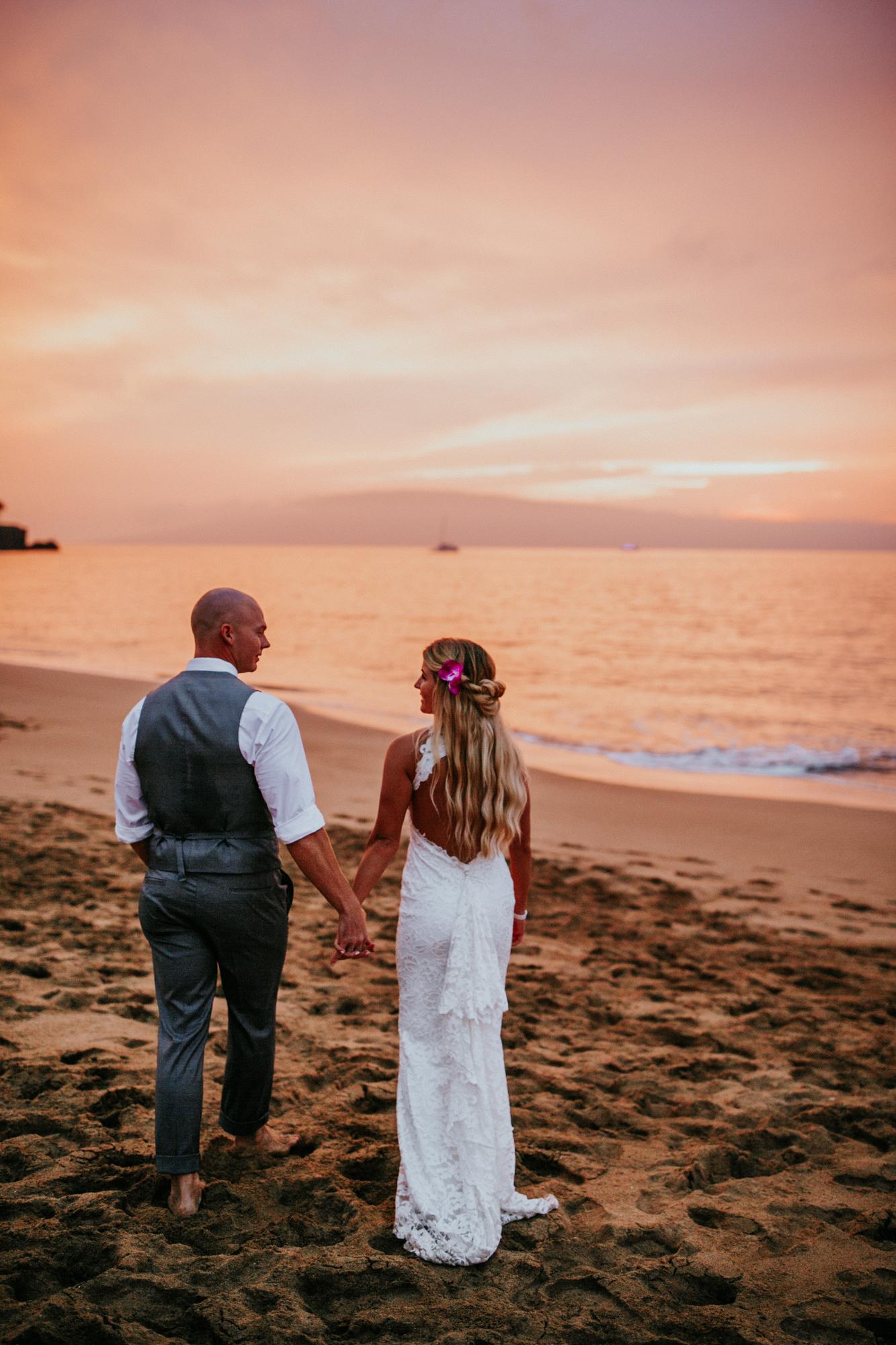 destination-wedding-photographer-hawaii-maui-elopement-105.jpg