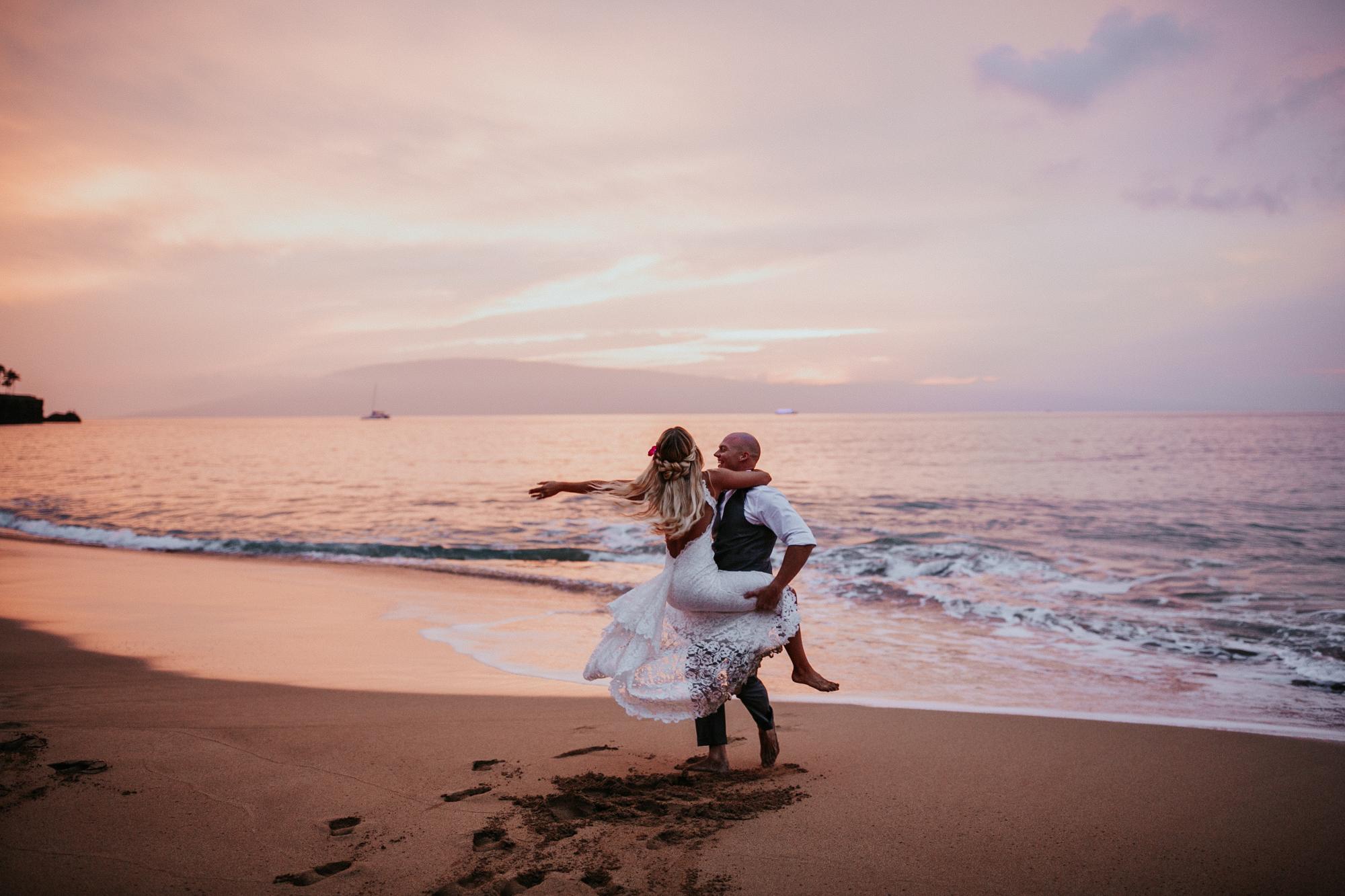 destination-wedding-photographer-hawaii-maui-elopement-109.jpg