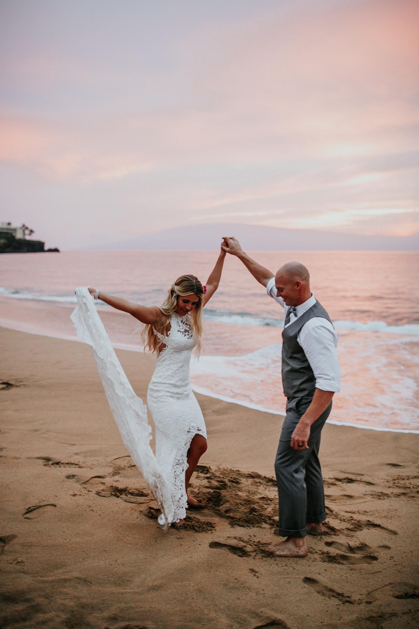 destination-wedding-photographer-hawaii-maui-elopement-111.jpg