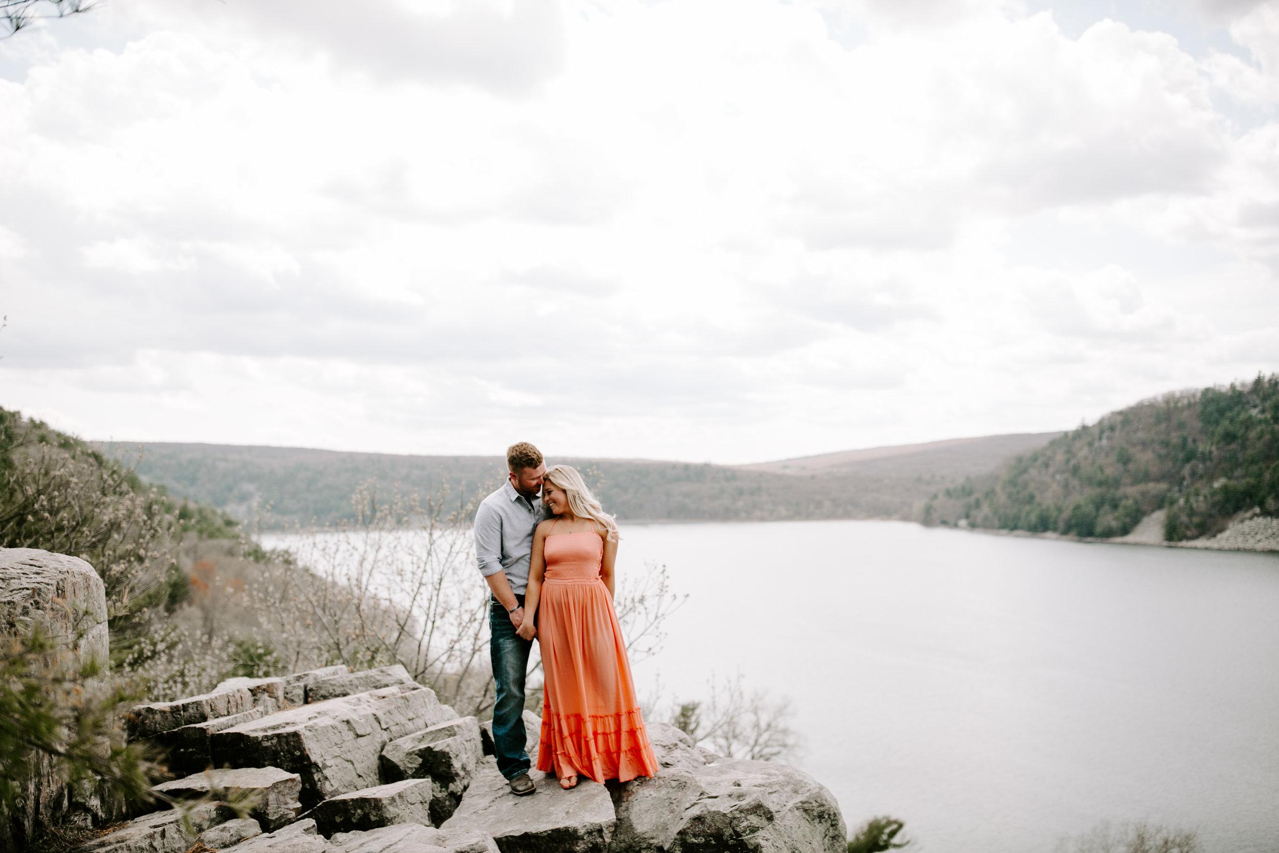 gracetphotography-wedding-photographer-adventure-bride-engagement-1.jpg