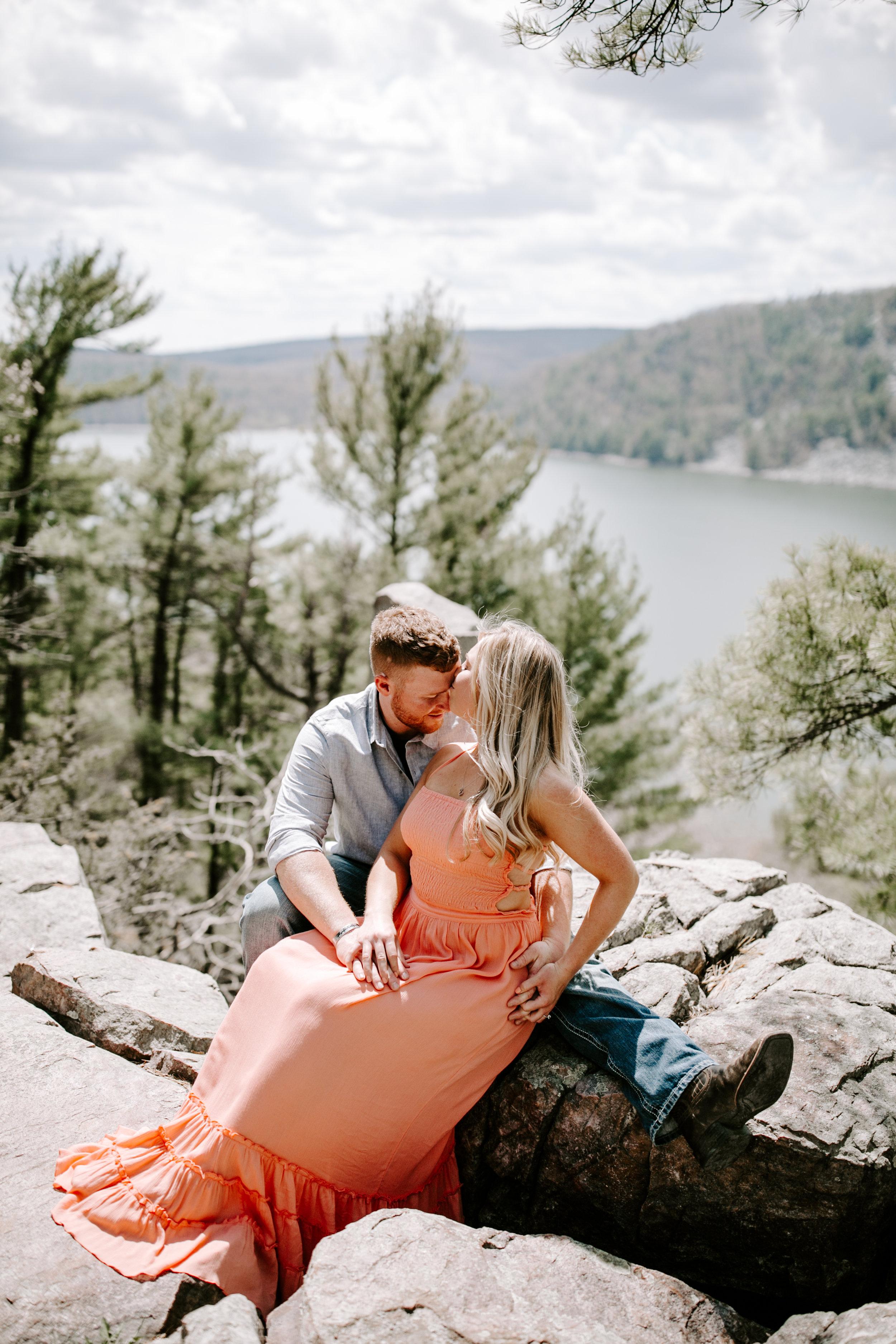 gracetphotography-wedding-photographer-adventure-bride-engagement-5.jpg