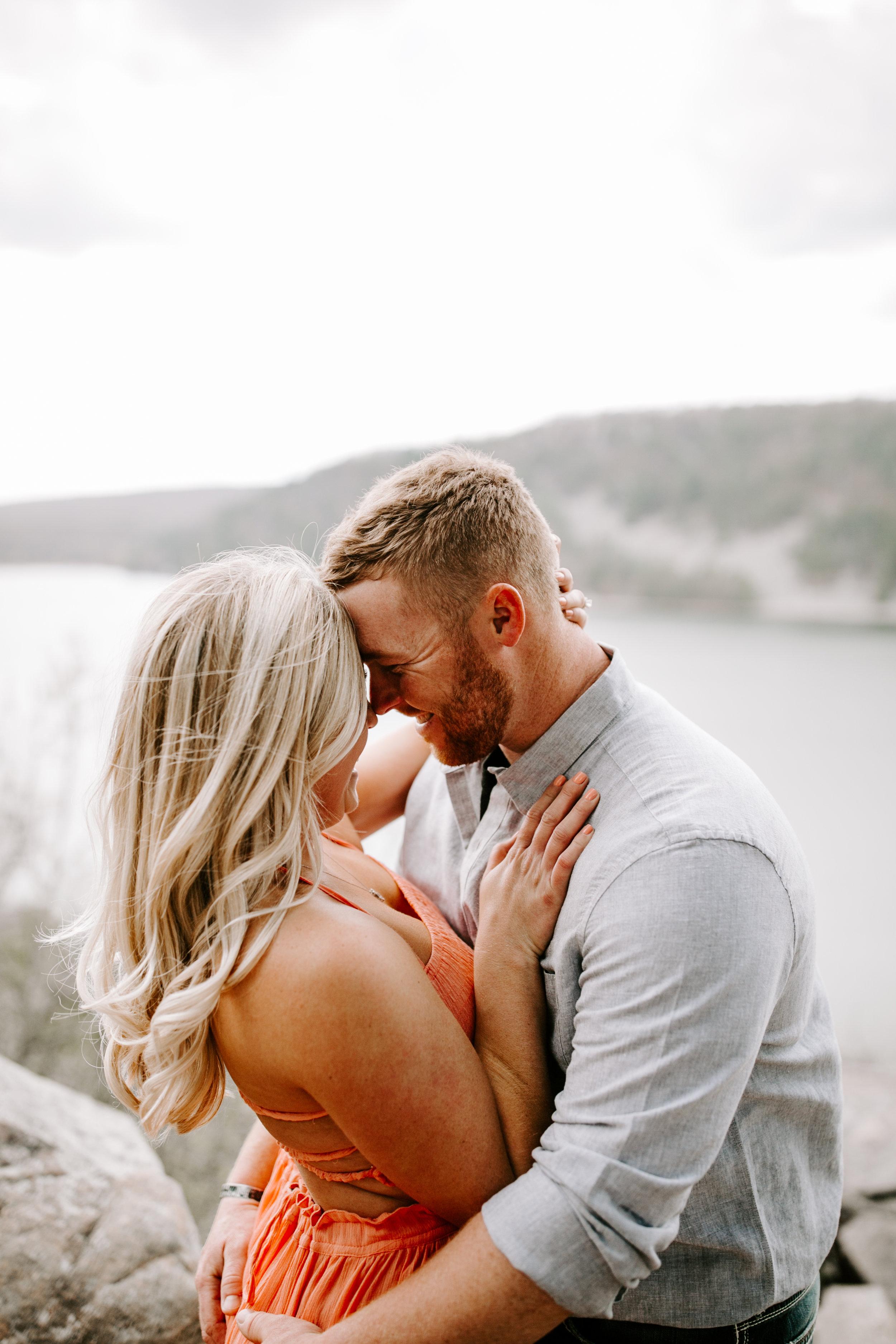 gracetphotography-wedding-photographer-adventure-bride-engagement-3.jpg