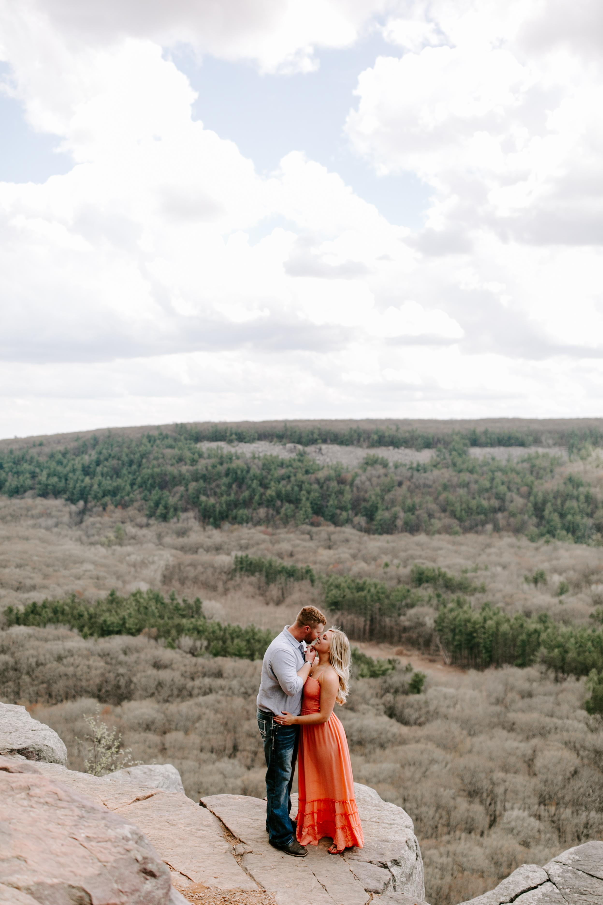 gracetphotography-wedding-photographer-adventure-bride-engagement-13.jpg
