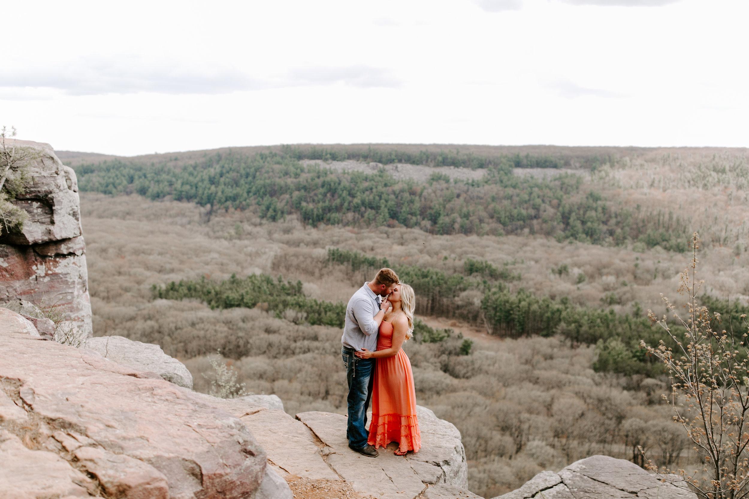 gracetphotography-wedding-photographer-adventure-bride-engagement-14.jpg