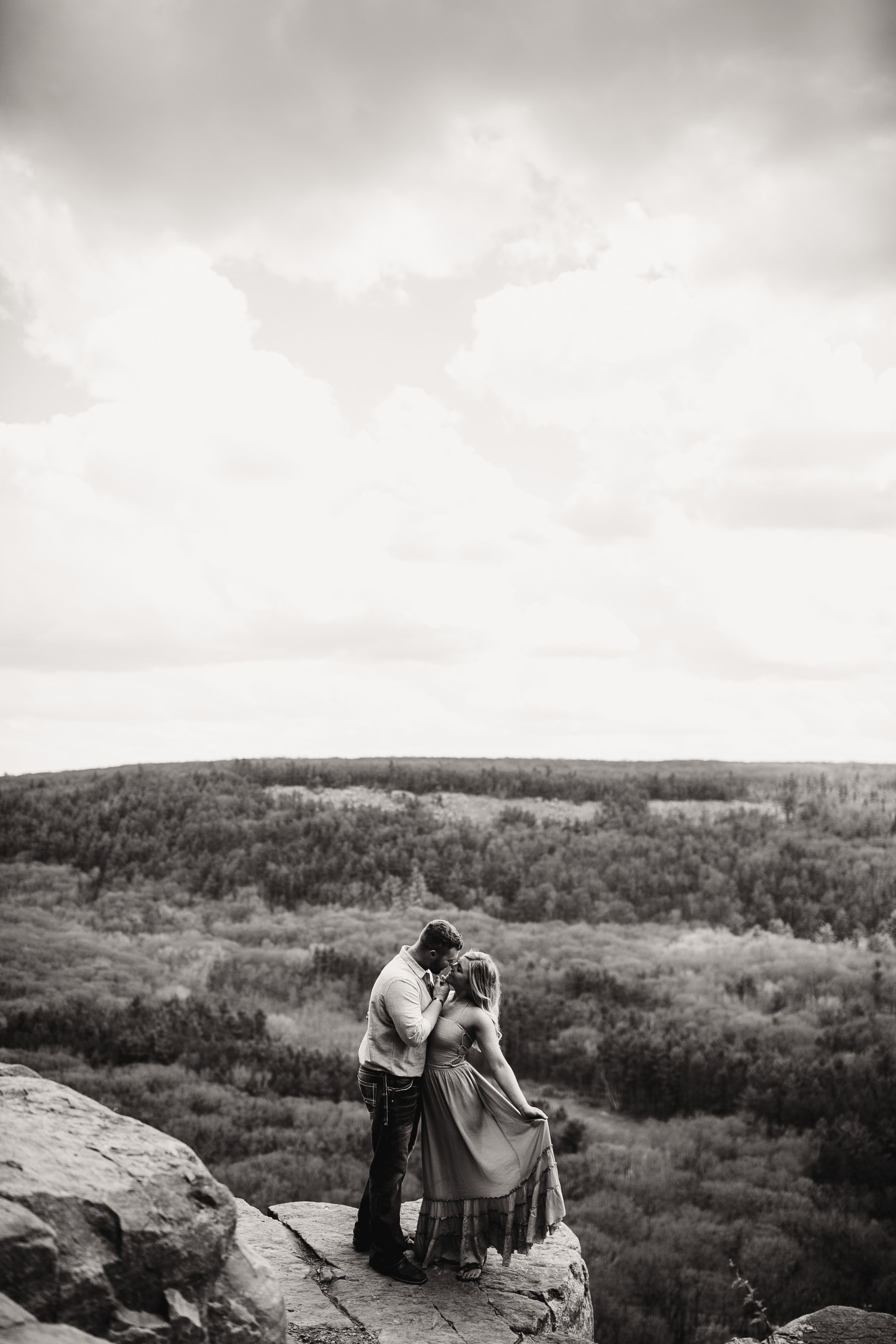 gracetphotography-wedding-photographer-adventure-bride-engagement-15.jpg