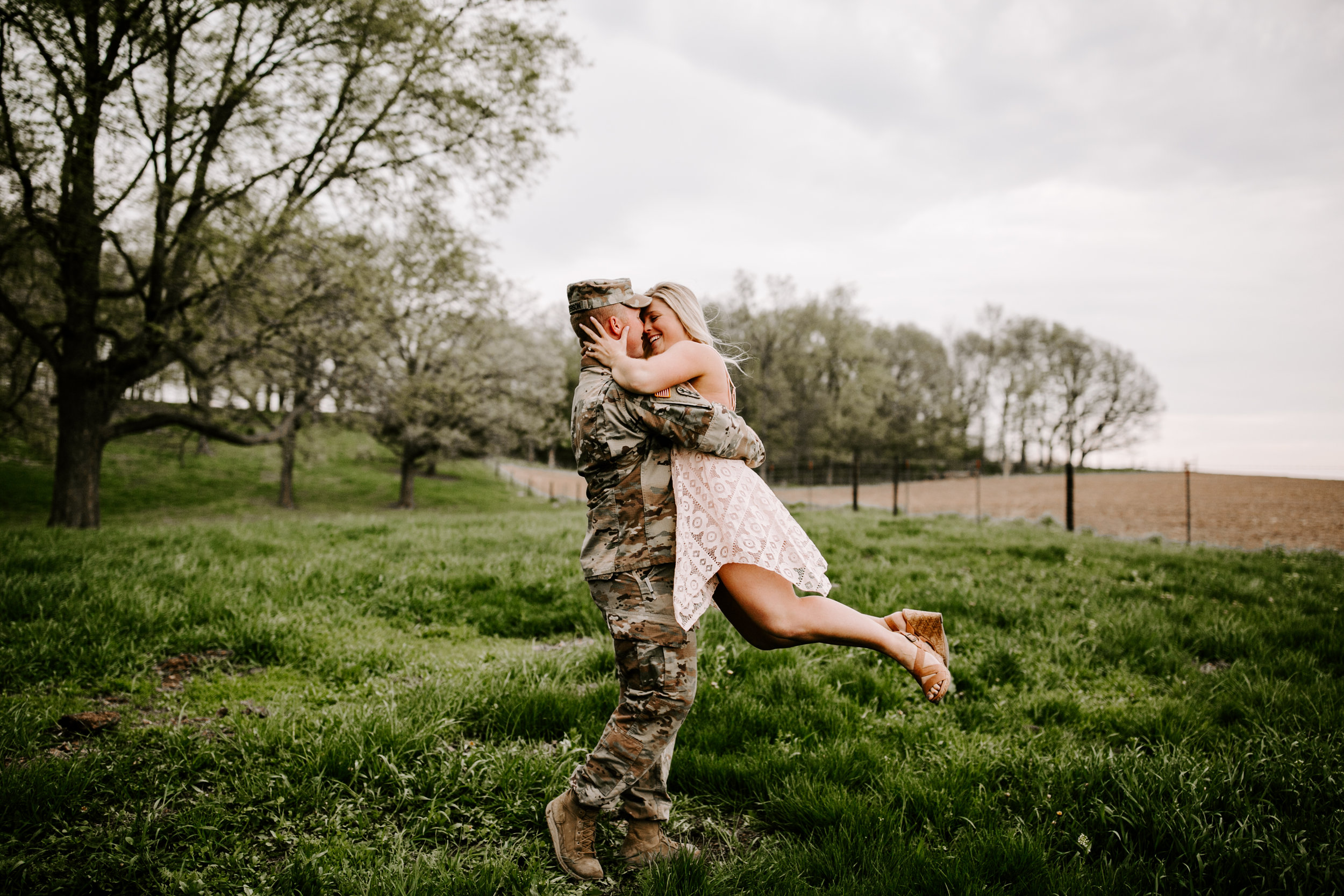 gracetphotography-wedding-photographer-adventure-bride-engagement-29.jpg