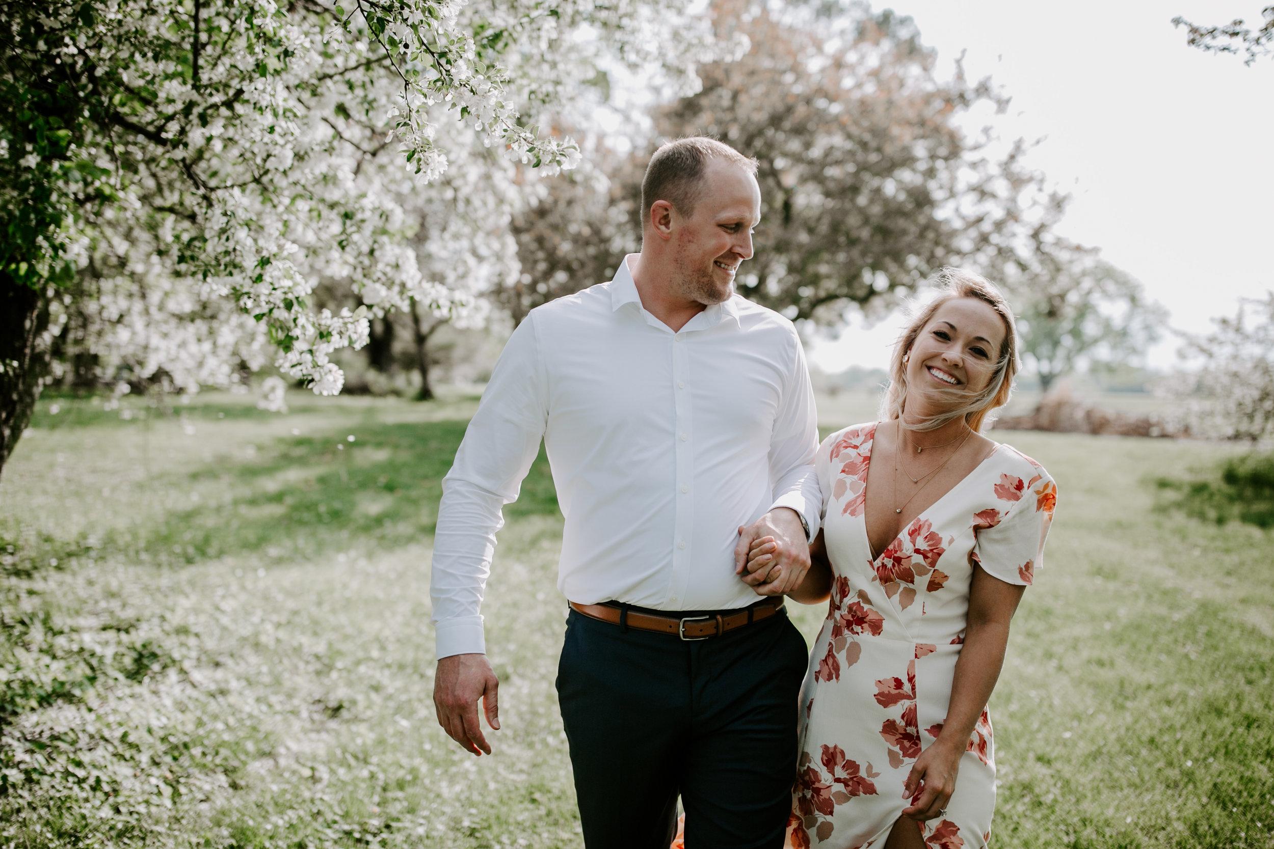 gracetphotography-wedding-photographer-adventure-bride-engagement-midwest-7.jpg