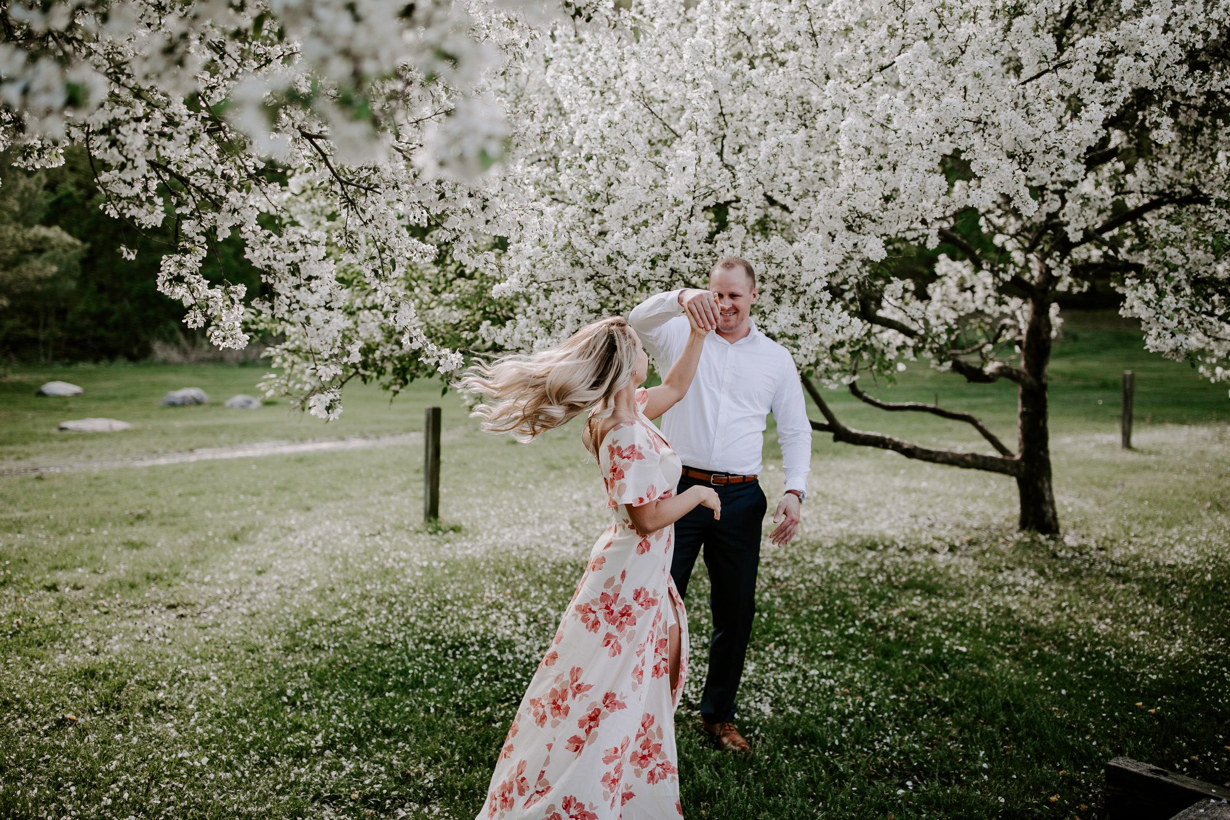 gracetphotography-wedding-photographer-adventure-bride-engagement-midwest-18.jpg
