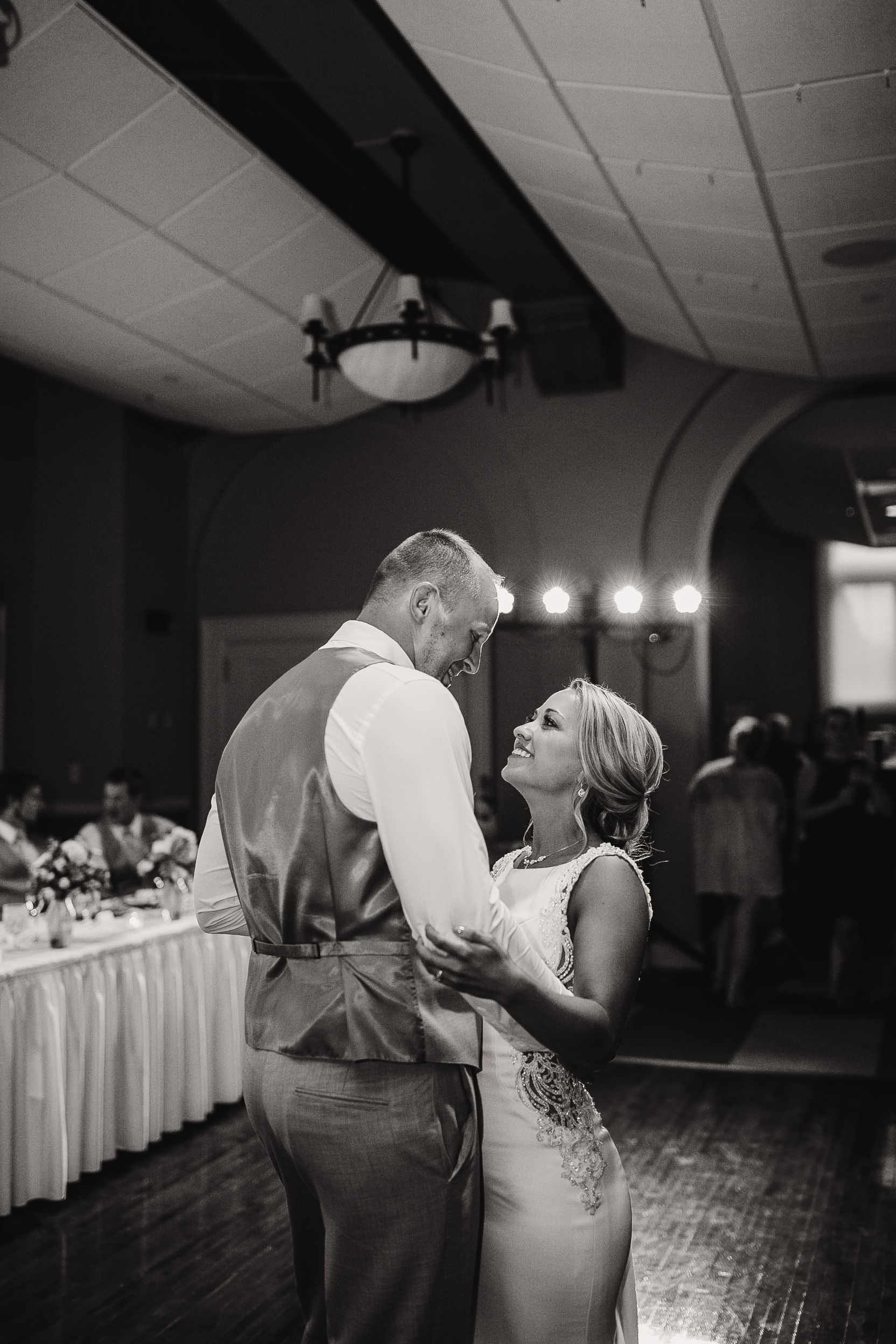 gracetphotography-iowa-wedding-photographer-midwest-weddings-des-moines-67.jpg