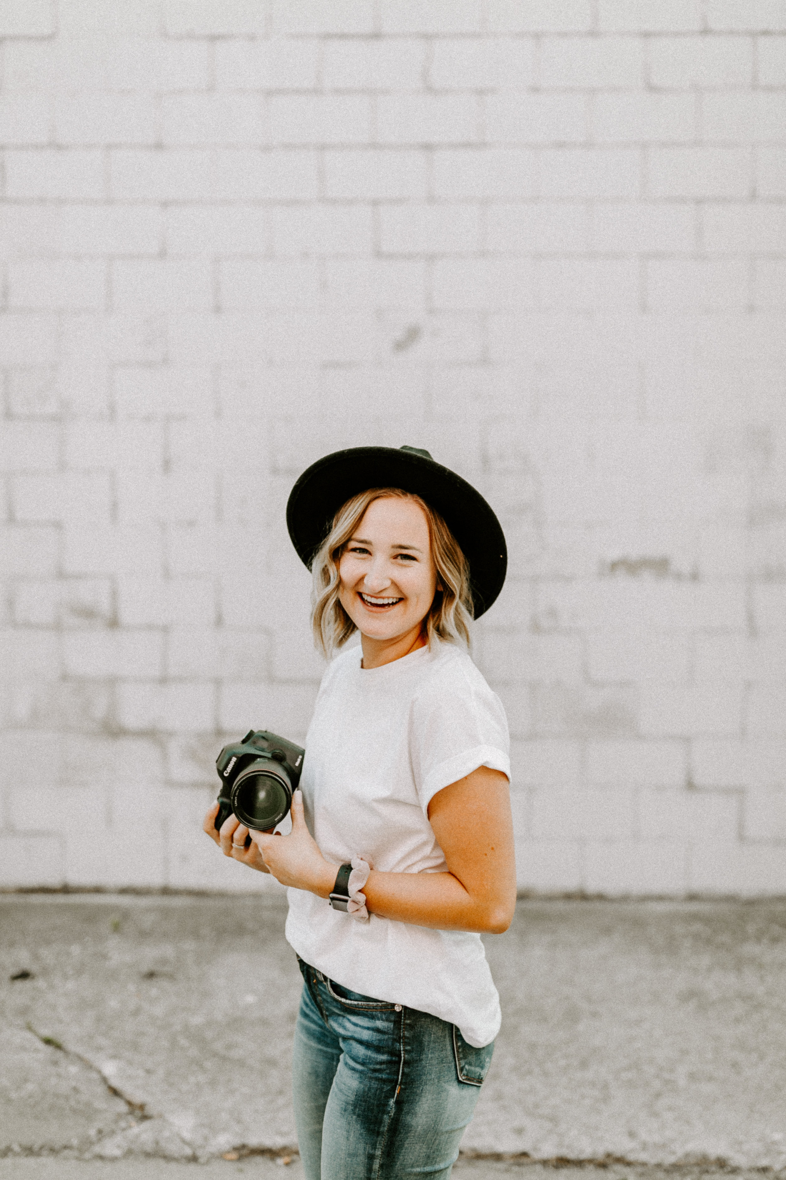 Meet Christina - This sweet girl studied photography in Montanaand found her love for weddings and coupleswhile she was there. She loves snuggling hernew baby kitty and will never turn down a coffeedate! She's currently living in Dubuque butheaded back to the Des Moines area SOON!