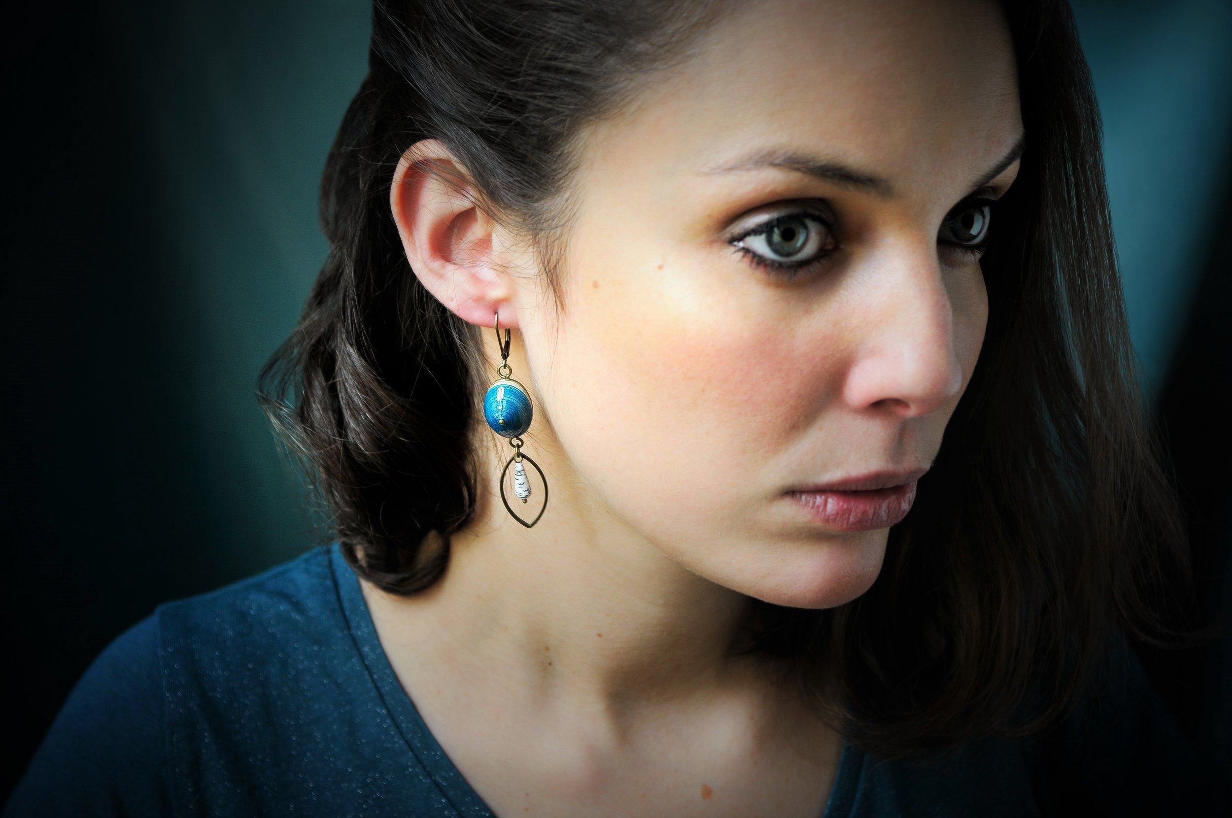 Boucles d'oreilles livre de poche bleu
