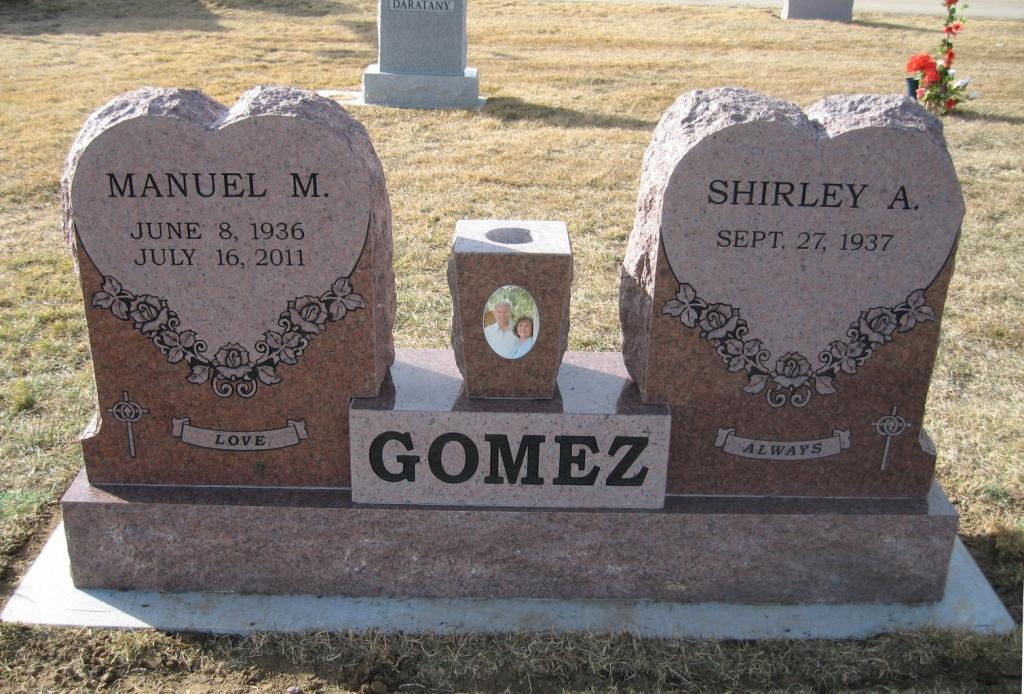 Gomez 3.JPG