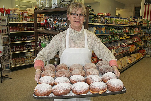 Polish Newspaper White Eagle declares DJ's Market has the best pączki in Boston. Read the full story (in Polish) by clicking on the picture.