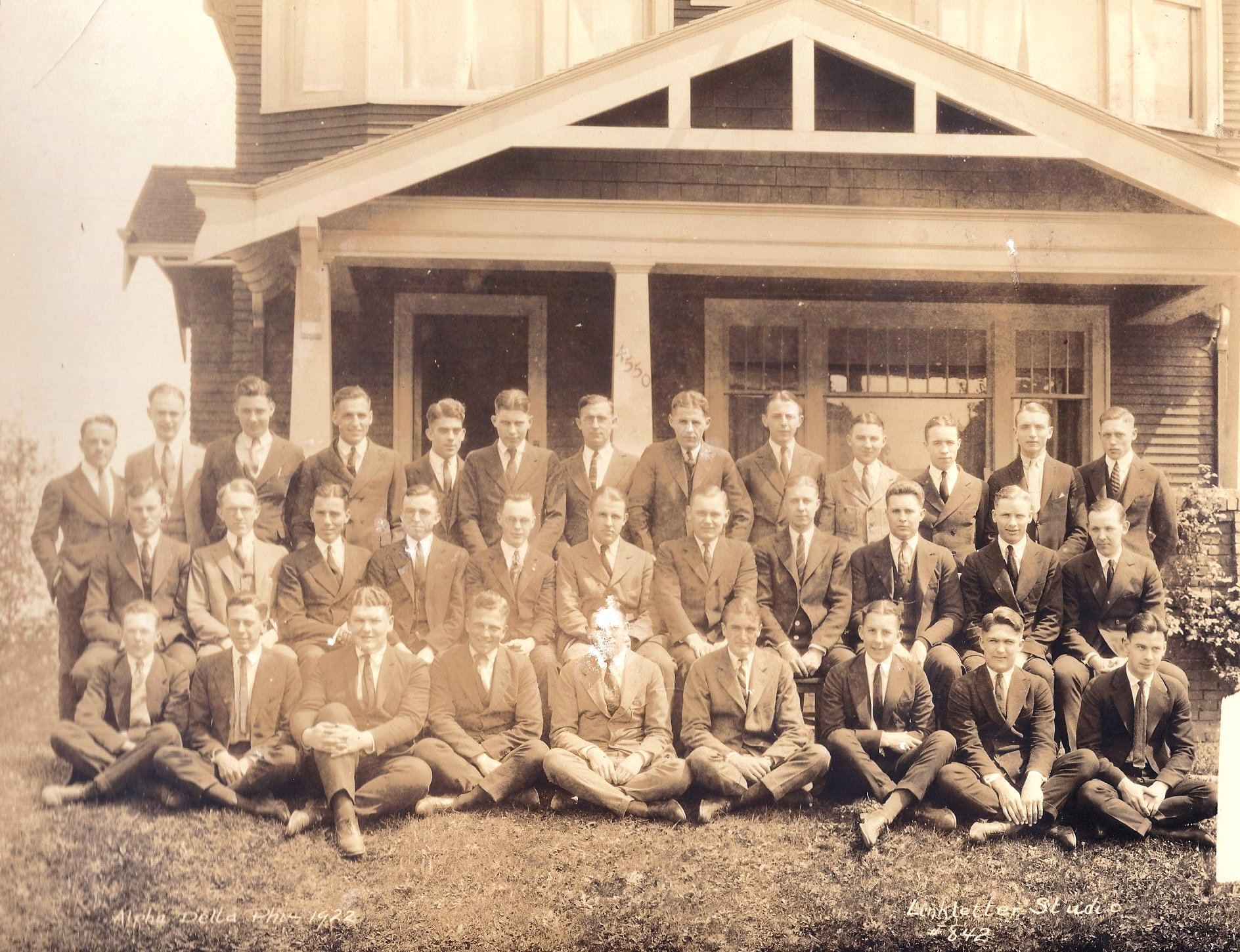 Class Picture 1921-1922.jpg