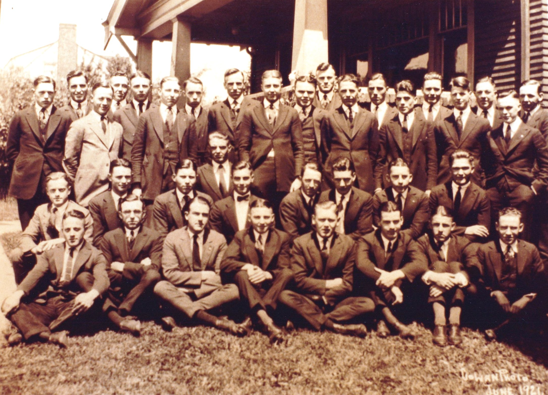 Class Picture 1921.jpg