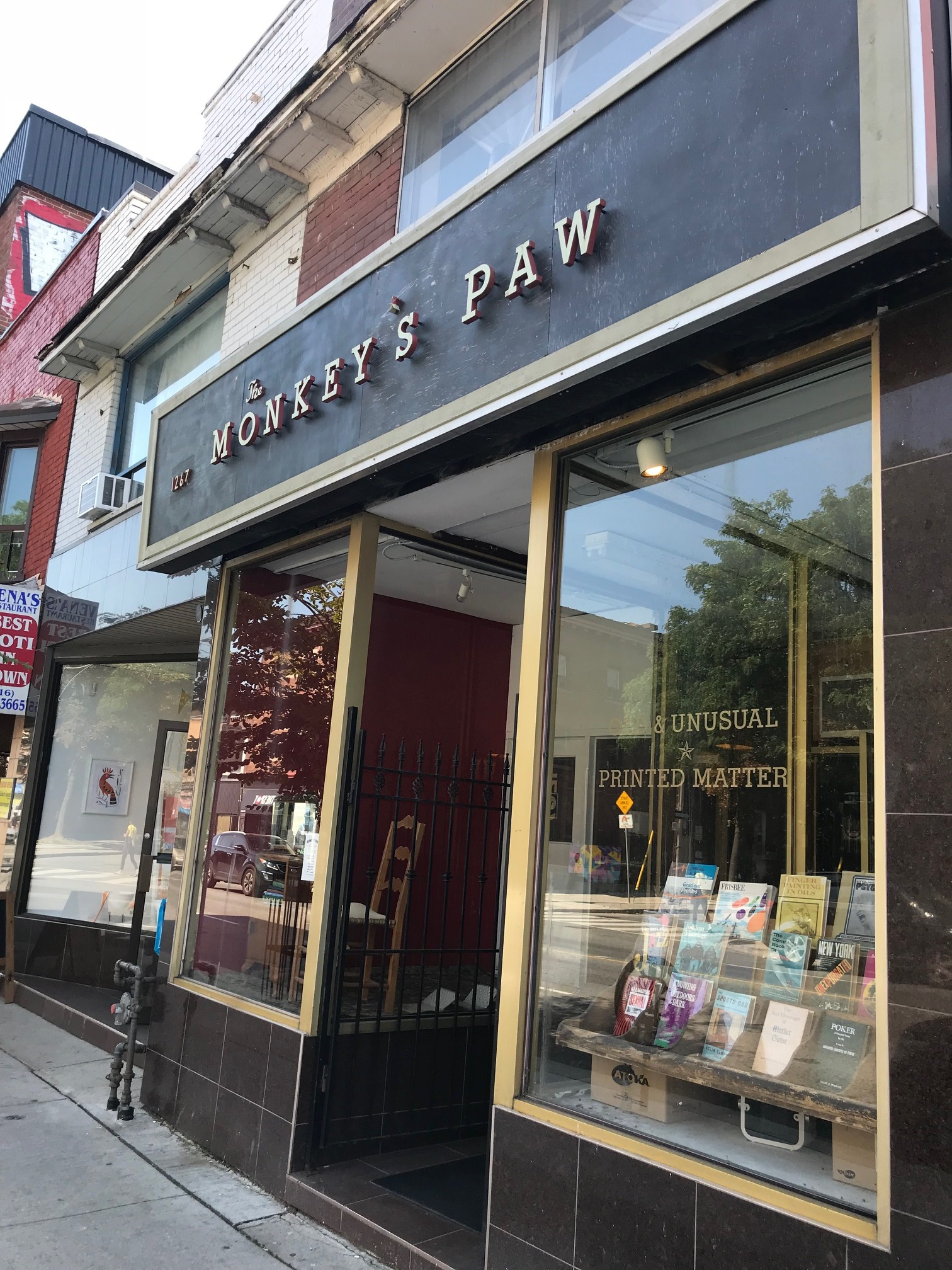 monkey's paw, toronto book shop  photo by me