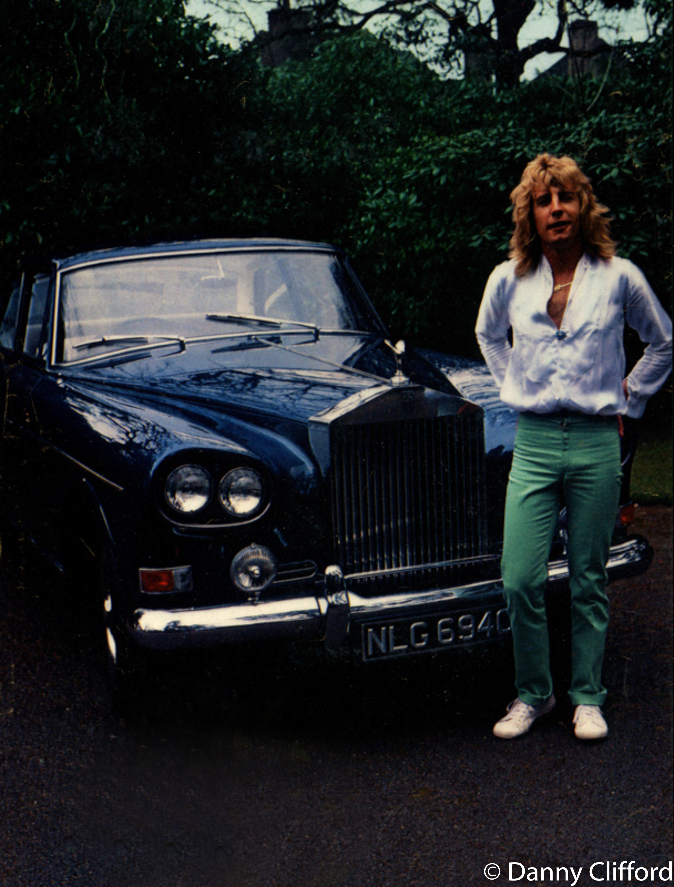 Every time Rick bought a new car (which seemed like every week) he asked me to his house to take some photos.. Here is one of his vintage Rolls Royce's..