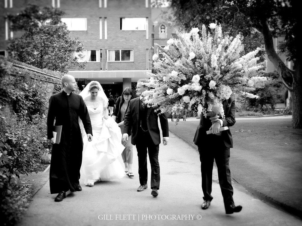 flowers-bride-groommathamatical-bridge-cambridge-summer-wedding-gill-flett-photo.jpg