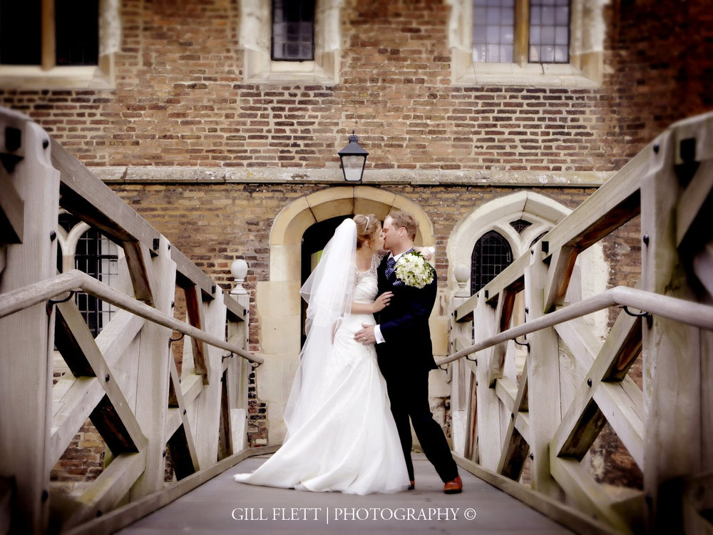 mathamatical-bridge-cambridge-bride-groom-gillflett-photo.jpg