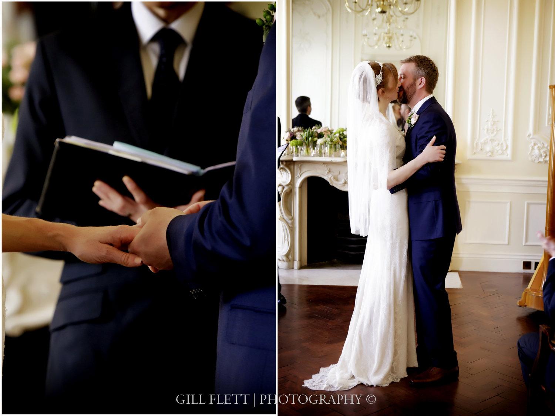 Carlton-House-Terrace-first-kiss-ceremony-gillflett-photo.jpg