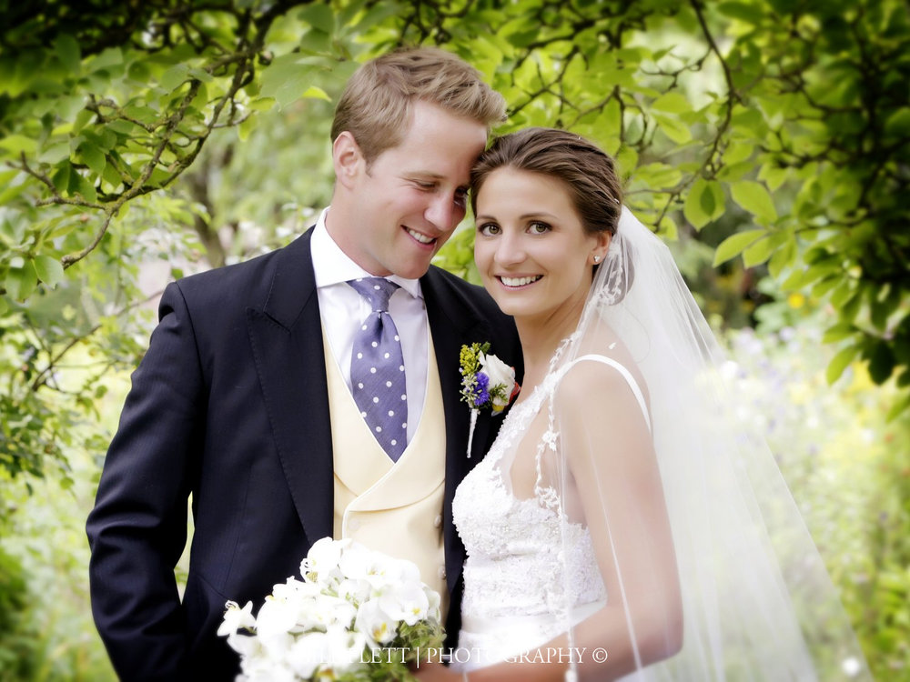 ely-cathedral-bride-groom-portrait-summer-wedding-gill-flett-photo.jpg