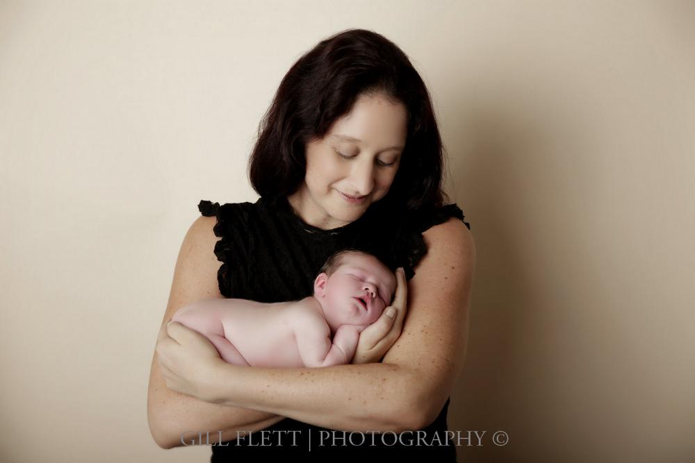 newborn-mother-cradle-gillflett-london.jpg
