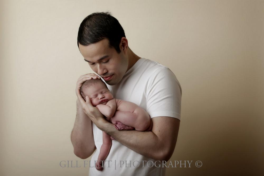 newborn-father-gillflett-london.jpg