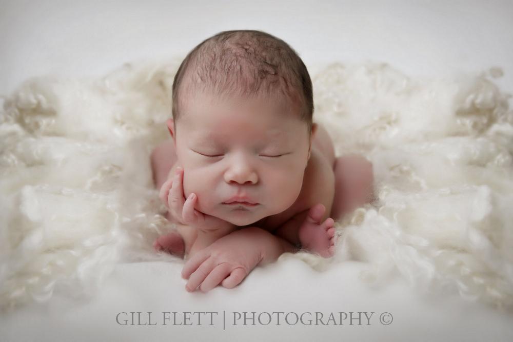 newborn-froggy-gillflett-london.jpg