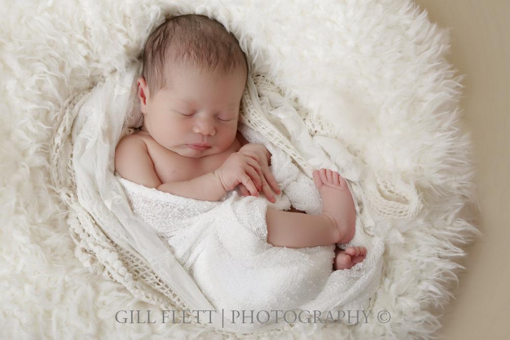 newborn-neutral-white-curl-gillflett-london.jpg