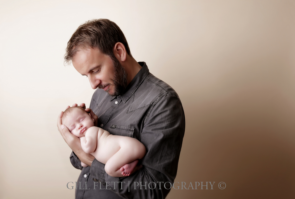 newborn-father-side-pose-gillflett-london.jpg