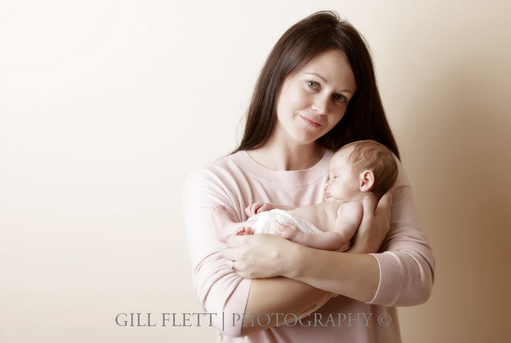 newborn-mother-neutral-gillflett-london.jpg