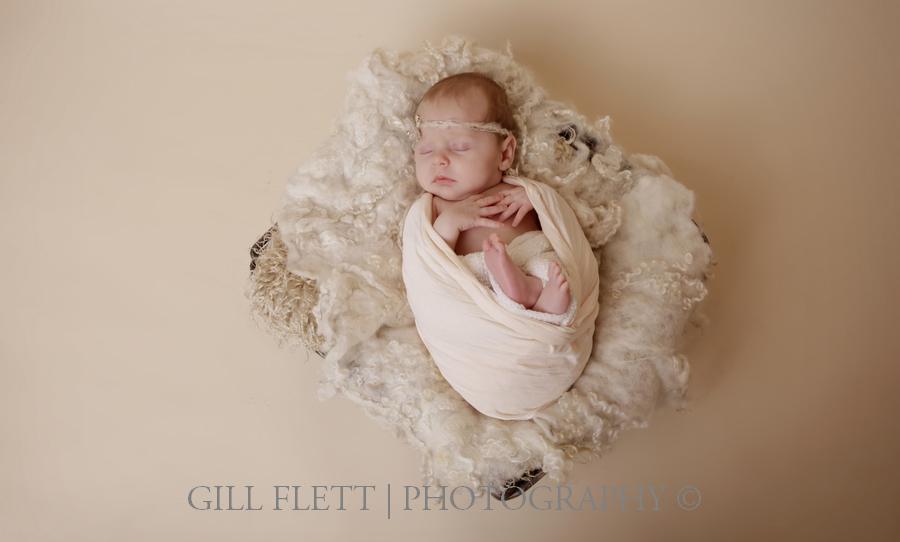 newborn-white-basket-wrap-gillflett-london.jpg