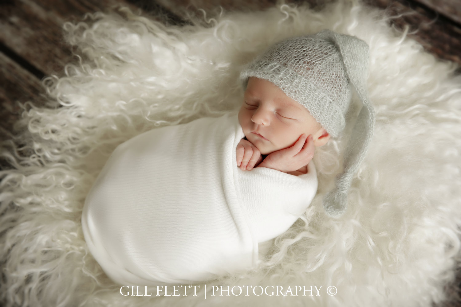 neutral-wrap-hat-fur-newborn-boy-gillflett-photo_img_0011.jpg