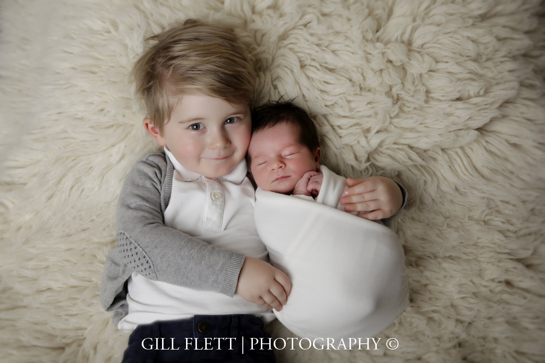 sibling-newborn-girl-training-gillflett-photo_img_0009.jpg