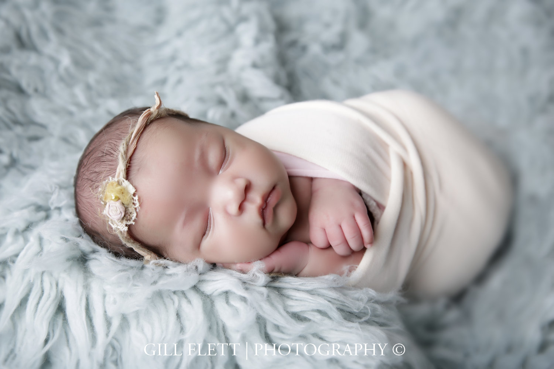 newborn-girl-19-days-gillflett-photo-london_img_0745.jpg