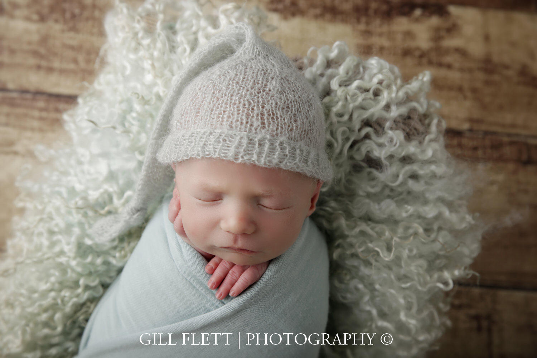 mint-wrapped-bed-newborn-boy-gillflett-photo-london_img_0744.jpg