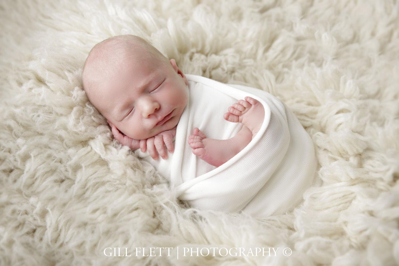 pretzel-wrap-flokati-white-newborn-boy-gillflett-photo-london_img_0735.jpg