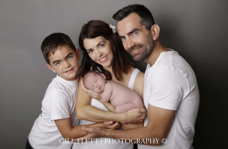 family-with-newborn-girl-photo-gillflett-london_img_0025.jpg
