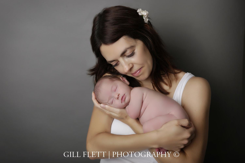 mother-newborn-girl-photo-gillflett-london_img_0022.jpg