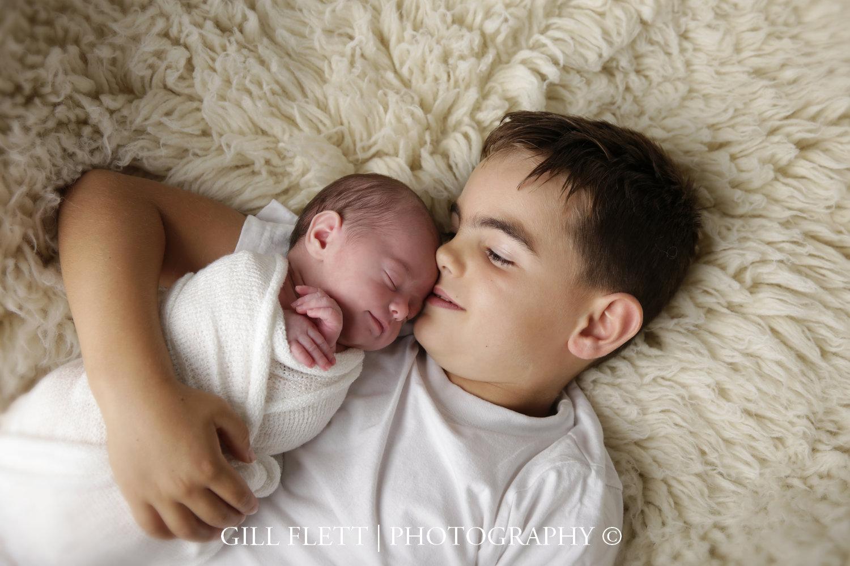 newborn-girl-sibling-gillflett-london_img_0007.jpg