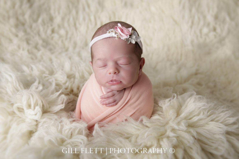 potato-sack-flokati-newborn-girl-gillflett-london_img_0003.jpg